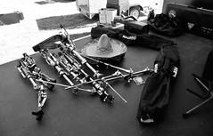 Bühnenbild (Lichtabfall) Tags: summer blackandwhite hat drums blackwhite concert sommer stage gig hut sombrero konzert schwarzweiss bühne auftritt schlagzeug einfarbig