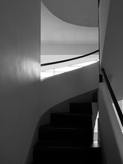 Villa Savoye Up! (FranZ_K) Tags: france architecture stair villa lecorbusier savoye