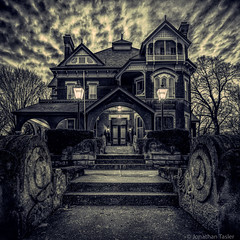 Gargoyle House - Spooky (Jonathan Tasler) Tags: victorian spooky kansas griffin hauntedhouse victorianhouse atchison gargoylehouse