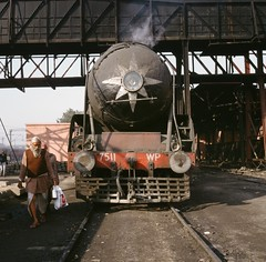Mannen met baarden (Kees Wielemaker) Tags: india pacific steam locomotive broad gauge dampflokomotive 462 stoomlocomotief 2c1 breitspur breedspoor '2c'1