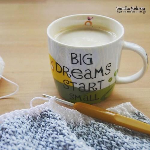 Big dreams start small 😉 I wish you great Monday, my dears! 💜 #crocheteveryday #vendulkam #crocheting #crochet #newpatternsoon #dontgiveup #crochetwithme #followyourdreams