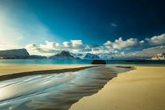 Lofoten, Haukland Beach (s.schulthess) Tags: schnee winter sea snow norway norge vinter meer norwegen wave lofoten havn wellen