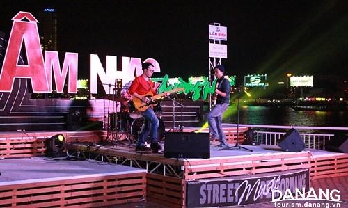 Âm nhạc đường phố vĩa hè đà nẵng