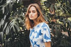 Julliana Mende for Tricky Hips (Tom ) Tags: folhas model photoshoot natureza mulher modelo ibirapuera loira