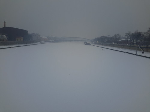 "Río Vístula congelado, Cracovia <a style=""margin-left:10px; font-size:0.8em;"" href=""http://www.flickr.com/photos/141744890@N04/25724014833/"" target=""_blank"">@flickr</a>"