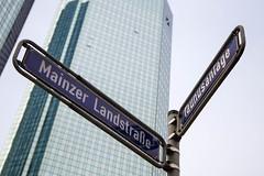 Frankfurt am Main: Deutsche Bank Tower (kevin.hackert) Tags: tower hessen frankfurt main deutschebank frankfurtammain metropole ffm 069 rheinmain taunusanlage strasenschild mainzerlandstrase