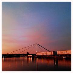 RS_151108 17 15 22 (ralfs-photo) Tags: sunset deutschland abend dmmerung deu bunt rheinlandpfalz iphone ludwigshafen hipstamatic rheingalerie rheinuifer