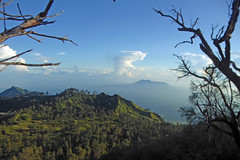 View from the crater rim (gecgab) Tags: ijen