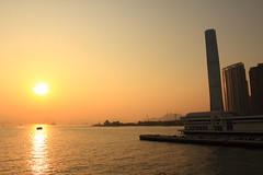 sunset at Victoria Harbour (La Petit Cat) Tags: sunset sun sunrisesunset  sunsetsunrise victoriaharbour 2016