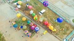 Lubao Hot air Balloon at Pradera Verde (10 of 29) (Rodel Flordeliz) Tags: travel sky hot air balloon billboard adventure oxygen riding hotairballoons pradera pampanga bataan lubao lubaohotair