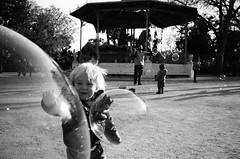 IV (Alexander Head) Tags: kids de la konica af parc ciutadella hexar