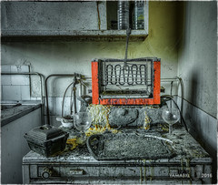 Within the consumer appliance is stored a plurality of filtering levels.  -  Plusieurs niveaux de filtrage sont stocks dans l'appareil lectromnager. (Yamabxl) Tags: abandoned kitchen cuisine belgique decay ghost creepy forbidden hidden forgotten urbanexploration derelict hdr highdynamicrange verlassen urbex verfall abbandonato verlaten lostplaces prohib prohibed urbexhdr manoirlonie consumerappliance appareillectomnager