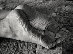 Concrete soles (Barefoot Adventurer) Tags: texture blackwhite toes arches barefoot barefeet connected tough soles blackandwhitephotography barefooted barfuss barefooting heelcracks barefoothiking strongfeet barefooter baresoles leathersoles toughsoles wrinkledsoles callousedsoles blacksoles flexiblefeet livingleather naturalsoles