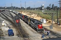 Crew change. (thrimby2002) Tags: southernpacific gp60 westcolton