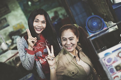 Woman Thailand (♥siebe ©) Tags: portrait people woman smile lady thailand market thai 2016 ประเทศไทย ไทย เมืองไทย ผู้หญิง