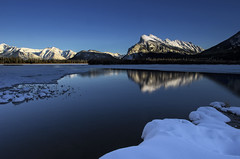 Vermilion Lakes (Royal Bloke) Tags: canada mountains reflection rockies alberta banff lak vermilionlakes rundlemountain