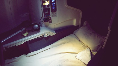 Onboard A330 Business Class - Cathay Pacific