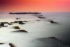 mar en calma (danivalle76) Tags: barcelona espaa paisajes 35mm puerto mar playa colores barceloneta catalunya nikond3200 espign largaexposicion