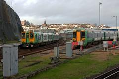 313220 + 377432 (40011 MAURETANIA) Tags: train brighton transport southern emu britishrail unit 442 387 313 377 govia overallroof