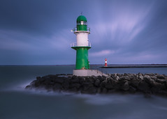 warnemuende lighthouses ll (benn-oh) Tags: blue sea ex clouds canon germany deutschland eos warnemnde long exposure waves wolken 9 sigma baltic steine hour 7d mole 1020mm ostsee rostock vorpommern mecklenburg wellen langzeitbelichtung mecklenburgvorpommern blaue bft stunde uww nd1000 westmole