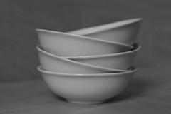 Only Bowls #3 (honiigsonne) Tags: white black indoor bowl dishes makro schssel schwarz tableware schrfentiefe keramik geschirr linien weis schsseln einfarbig minimalistisch minimalismus