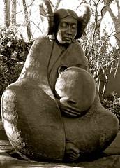 WATERSONG (suenosdeuomi) Tags: sculpture art monochrome nativeamericanart watersong marthapettigrew canons90