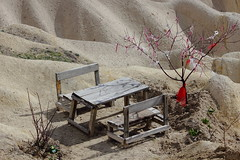 Abandoned (uhang kinchai) Tags: abandoned table chair desert greatphotographers flickrestrellas flickrtravelaward