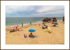 Buenos momentos. (Víctor Bao) Tags: portugal relax playa albufeira bienestar olhosdeagua olhosdagua buenosmomentos víctorbao