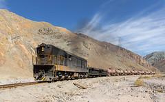 Big engine, small train (david_gubler) Tags: chile train railway llanta potrerillos ferronor montandón