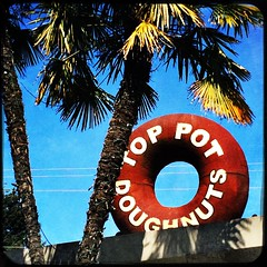 top pot (Chris Blakeley) Tags: seattle sign doughnut toppot toppotdoughnuts hipstamatic
