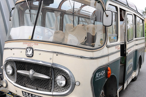 Bedford bus 884 GFU