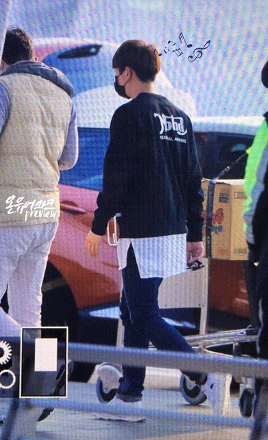 160328 Onew @ Aeropuerto de Incheon {Rumbo a China} 26080718805_18ddd01022_z