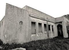 Abandoned (Francesco Impellizzeri) Tags: white black abandoned monochrome canon sicily sicilia trapani