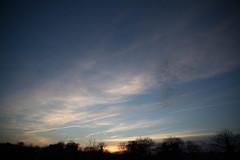 Garabatos en el Cielo (Quiggles in the Sky) (Dibus y Deabus) Tags: sunset sky españa clouds canon landscape atardecer spain gijón asturias paisaje cielo nubes tamron gijon 6d 2470mm