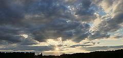 Leuchtender Sonnenuntergang. Brilliant sunset (st.klaus612) Tags: wood sunset sun nature weather forest germany landscape bayern deutschland bavaria spring europa europe sonnenuntergang natur landschaft sonne wald hdr sonnenstrahlen germania wetter sunbeams oberpfalz frhling