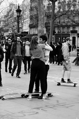 IMG_0525 (akvomelono) Tags: kiss lovers skate baiser amoureux nuitdebout