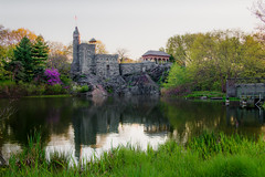 DSC_0856 (Tatiana.Photo) Tags: nyc newyorkcity sunset usa newyork castle america landscape spring nikon purple blossom centralpark manhattan bigapple beautifulview belvederecastle victorianera victoriancastle