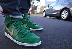 2013 Nike SB St Patty's Day Dunk Hi (chiva1908) Tags: green saint st gold la losangeles los nikon shoes day skateboarding angeles nt sneakers nike sp kicks patricks sb stpatricksday iss pattys stpattysday swoosh nikes niketalk saintpatricksday creps nikesb solecollector 2013 kotd teamnikon sneakerplay wdywt unds d5100 nikond5100 chiva1908 spallday 2013s