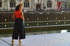 pose (coffeebucks) Tags: orange london water beauty architecture pose model afro culture modernism barbican heels culottes brutalism cityoflondon barbicancentre cityoflondoncorporation chamberlinpowellandbon