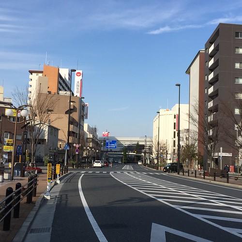駅前の道路