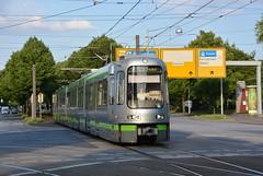 Hannover, Hans-Bckler-Allee 18.07.2015 (The STB) Tags: siemens tram hannover tramway strassenbahn lhb stra stadtbahn strasenbahn tw2000 linkehofmannbusch tw2500 clausewitzstrase strahannoverscheverkehrsbetriebe