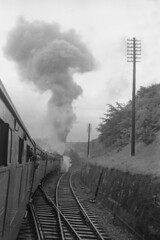 1964/06/07 - 29.  Sapperton Bank. (Ron Fisher) Tags: railroad blackandwhite bw monochrome train blackwhite transport eisenbahn rail railway steam vehicle locomotive 1960s steamengine 1964 dampflok gwr steamlocomotive britishrailways greatwesternrailway hcrc chemindefer sudeleycastle 7025 castleclass westernregion locomotivevapeur sappertonbank homecountiesrailwaysociety