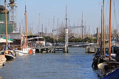 (view to the harbour) zicht naar haven, Monnickendam (lange brug), Netherlands (C. Bien) Tags: haven history water netherlands harbour nederland noordholland waterland historie geschiedenis monnickendam northholland gouwzee