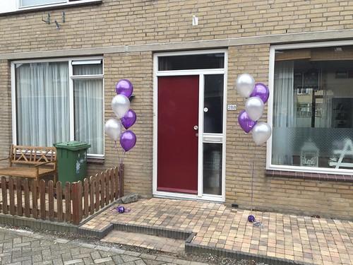 Tafedecoratie 5ballonnen Gronddecoratie Metallic Paars en Wit