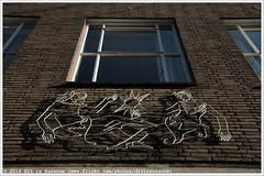 Draadplastiek Willy Zandvliet (Dit is Suzanne) Tags: art netherlands spring walk kunst nederland lente deventer overijssel wandeling    views50 hanzestad img5162  canoneos40d  overijsselprovince sigma18250mm13563hsm  ditissuzanne draadplastiek 27022016 willyzandvliet geschilderdmetaal