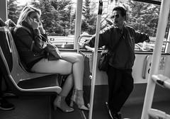 Jodia primavera...! (Nebelkuss) Tags: madrid street blackandwhite bw bus blancoynegro instant moment autobus momentos humanzoo instantes callejeras zoohumano fujixpro1 ladrondemomentos fujinonxf18f2 instantsthieve
