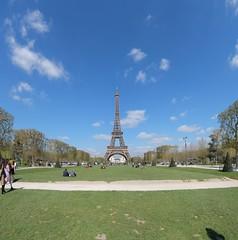 Eiffel Tower Panorama (DA 21mm) (Jonathan_in_Madrid) Tags: paris pentax eiffeltower 2016 stitchedpanorama da21mmf32limited fujifilmxm1