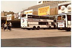 Royal Blue 1408, Victoria Coach Station 1985. (ManOfYorkshire) Tags: station coach july victoria national rambler 1985 shamrock coaches leyland nationalexpress mcw doubledeck metroliner royalblue westernnational 1408 triaxle shamrockrambler a104hnc 240785