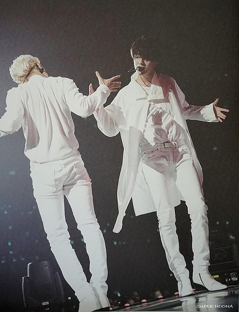 160421 SHINee @ Photobook SHINee World Concert IV 26677876176_a9ecefcbf4_z