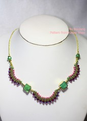 Trapeze (BeeJang - Piratchada) Tags: pink red green gold golden necklace crystal handmade seed jewelry bead swarovski ruby siam beading beaded beadwork beadweaving druzy superduo